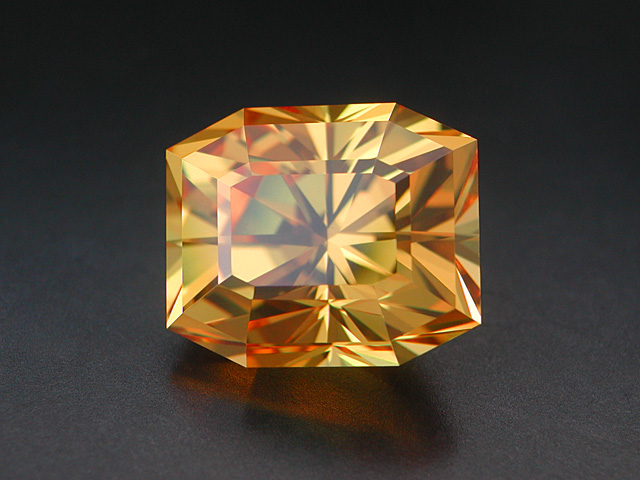 GDR manmade Perowskite, 24.67 cts.